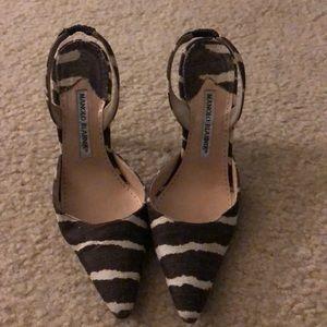 Manolo Blahnik printed Carolyne heels.